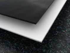 Die Platte: Maß: 100 x 50 cm Material: 3mm XT Acrylglas/Plexiglas®; schwarz Bearbeitung: Laserschnitt Schutzfolie: beidseitig Die Schutzfolien: Ihr Acryl-Zuschnitt verfügt über eine Schutzfolie auf Vorder- und Rückseite. Damit stellen wir sicher, dass das Material während Verarbeitung und Transport nicht zerkratzt wird. Auch für Sie wird die Weiterverarbeitung des Materials dadurch leichter. Der Laserschnitt: Ihr Acrylzuschnitt wird im Laserschnitt-Verfahren gefertigt. Der Vorteil: der Laser…