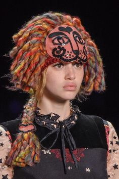 Anna Sui at New York Fall 2016 (Details):