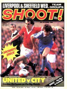 Shoot! magazine in Oct 1980 featuring Man Utd v Man City on the cover. Retro Football, Football Shirts, English Football League, Sir Alex Ferguson, Brighton & Hove Albion, Manchester United Football, Liverpool, 1980s, Magazines