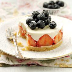Strawberry and lemon marscapone cheesecake