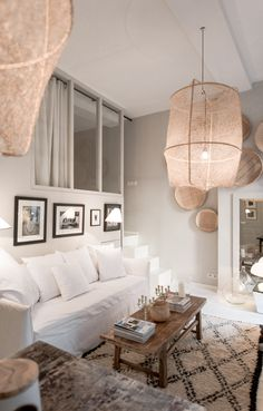 Appartement Blanc By Maison HAND. Lyon - JUST SO BEAUTIFUL WITH THE GLORIOUS PALE PINK LANTERNS!! #️⃣