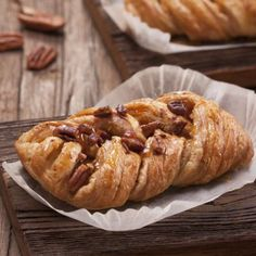 Sticky, Sweet Maple Pecan Danish (Using Crescent Rolls) Pecan Recipes, Baking Recipes, Dessert Recipes, Pecan Desserts, Pecan Nuts, Maple Pecan, Pecan Danish Recipe, Pastry Dishes, Sweet Pastries