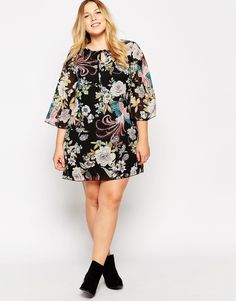 Image 4 of Yumi Plus Size Tunic Dress In 70s Print