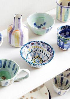 Melbourne-based ceramicst Jessilla Rogers at North Carlton Pottery where she teaches classes. Production – Lisa Marie Corso / The Design Files. Ceramic Clay, Ceramic Plates, Ceramic Pottery, Pottery Painting, Ceramic Painting, Deco Originale, Keramik Vase, Book Sculpture, The Design Files