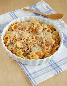 Spinach casserole with orecchiette and cheeses / Orecchiette de forno com espinafre e queijos by Patricia Scarpin, via Flickr