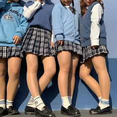 Japanese School Uniform Girl, School Girl Dress, School Uniform Girls, Daisy Duke Shorts, Cute School Uniforms, Pantyhose Outfits, Pantyhose Heels, Sexy Socks, Japan Girl