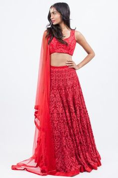 Simi Indian Dresses, Indian Outfits, Indian Clothes, Indian Lehenga, Floral Crop Tops, Indian Designer Wear, Blouse Styles, Red Lace, Traditional Outfits