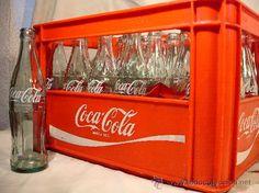 Caja de Coca Cola de 1972 con 23 botellinos de 350 cl