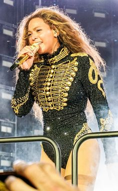 A Breakdown of Every Latex Crystal and Lace Costume on Beyoncés Formation Tour : Hombres Mag For Men Stage Outfits, Dance Outfits, Beyonce Formation Tour, Concert Dresses, Pullover Shirt, Beyonce Knowles, Bustier, Lace Bodysuit, Dance Costumes