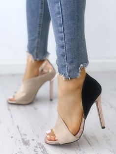Your high heels questions answered. What is the difference between stilettos and high heels. Why are high heels called pumps. Does wearing high heels tone your legs. Can wearing heels cause hip pain Stilettos, High Heels Stiletto, Black High Heels, Women's Heels, Peep Toe Heels, Low Heels, Casual Heels, Women's Casual, Wedge Heels