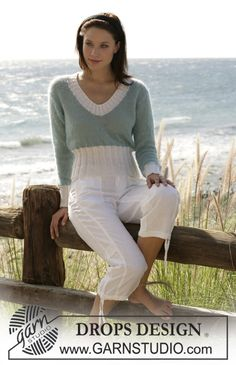 "DROPS 100-21 : Jersey Knitted in Stocking Sts with ""Vivaldi"" and Rib in ""Alpaca"" 