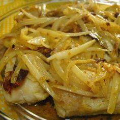 Asian Fish Recipes, Recipes With Fish Sauce, Whole30 Fish Recipes, White Fish Recipes, Easy Fish Recipes, Fish Dishes, Seafood Dishes, Seafood Recipes, Cooking Recipes