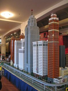 Minecraft Skyscraper, Minecraft City Buildings, Lego City, City Layout, Lego Display, All Lego, Lego Modular, Lego Castle, Minecraft Projects