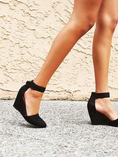 Jeffrey Campbell Peaks Point Wedge