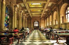 """Chile: Biblioteca Nacional es elegida entre las 50 bibliotecas """"más majestuosas"""" del mundo por A&D"""