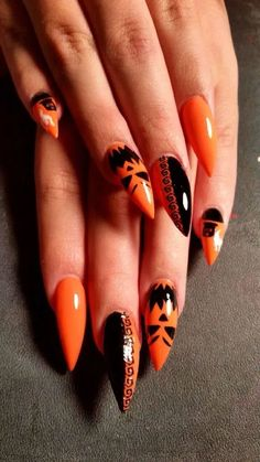 170 striking & spooky halloween nail art ideas -page 7 Halloween Acrylic Nails, Halloween Nail Designs, Spooky Halloween, Halloween Makeup, Women Halloween, Halloween Ideas, Stiletto Nails, Coffin Nails, Cotton Candy Nails