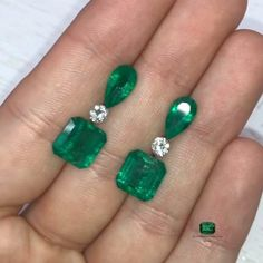 Emerald Earrings, Emerald Jewelry, Statement Earrings, Dangle Earrings, Wedding Jewelry, Diy Jewelry, Gold Jewelry, Loose Emeralds, Jewelry Showcases