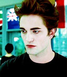Which Supernatural Being Are You? Twilight Edward, Twilight Film, Twilight 2008, Twilight New Moon, Edward Bella, Robert Pattinson Twilight, Edward Cullen Robert Pattinson, Twighlight Saga, Supernatural Beings