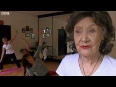 World's oldest yoga teacher Tao Porchon-Lynch at 93