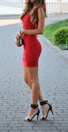 7cfe9292fea02d7a9443c151ca5cd40b--red-bandage-dress-red-bodycon-dress.jpg (389×750)