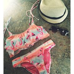 @twentiesgirlstyle   A perfect beach day for flamingos #whatimwearing #ootd #vs #flamingos #lake
