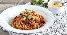 Bolognese, Spaghetti, Ethnic Recipes, Food, Meals, Yemek, Noodle, Eten