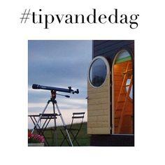 Oeh la la! Dit is tof! De Sterrenkubus: een heel klein huisje om in te overnachten en samen naar sterren te kijken! #romantisch #bijzondereovernachtingen #hoteltips #sleepover #weejendjeweg #NuOpWhatever #linkinbio #TipvanWhatever #onlinemagazine #Dutchblogger #bloggerlife #aanrader