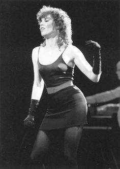 Pat Benatar - Queen of the Asphalt Jungle? Pat Benatar, Mode Rock, Top 10 Hits, Style Rock, Women Of Rock, Women In Music, Rock Music, Music Music, Music Lyrics