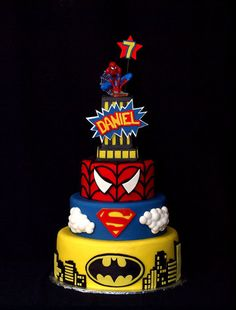 TIRA O SURPERMAN QUE TÁ BELEZA.  Super Hero Birthday bash - by StuckOnTheFarm @ CakesDecor.com - cake decorating website