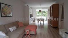 Bolo West Amsterdam Apartment Amsterdam Located 2.5 km from Anne Frank House, Bolo West Amsterdam Apartment offers accommodation in Amsterdam. The unit is 3 km from Vondelpark. There is a dining area and a kitchen complete with a dishwasher, an oven and stovetop.