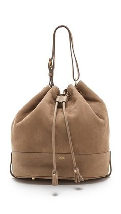 this bucket bag is perfect for fall.