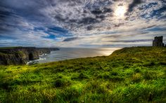Ireland County Clare Budget Tours: Scenic Ireland Tours provide low budget tours and golf trips in the beautiful destinations all over Ireland.  We can help you plan a special and memorable trip to Ireland.