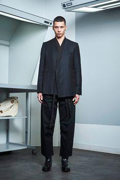Siki Im presented its Fall/Winter 2017 collection during New York Fashion Week Men's. Fashion Show Collection, Winter Collection, Sustainable Looks, Cool Mustaches, Urban Fashion, Mens Fashion, Dandy Style, Urban Cowboy, Student Fashion