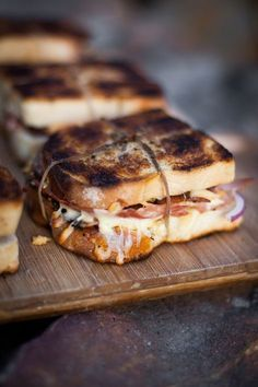 Triple Pig and Fig Braai Toasties Broodjies South African Braai, South African Dishes, South African Recipes, Braai Recipes, Cooking Recipes, Oven Recipes, Kos, Restaurant Bar, Cafe Food
