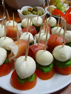 Snacks Für Party, Appetizers For Party, Appetizer Recipes, Baptism Reception, Reception Food, Baptism Food, Cooking Recipes For Dinner, Buffet, Spiralizer Recipes