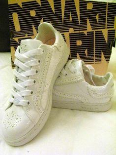I cannot forget my Fornarina Brogue-ish sneakers... the perfect inbetweens. RIP April 2012