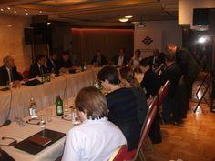 """Forumul pentru Relații Interetnice a organizat, s�mbătă, 11 iunie 2016, la hotelul Moscova din Belgrad, o masă rotundă cu tema """"Relațiile..."""