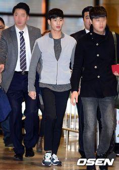 nice Kim Soo Hyun at the airport (03.08.2014)