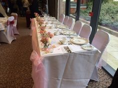 Wivenhoe house top table