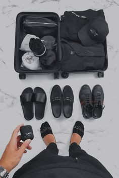 Experience the black side of life. We're an online store dedicated to bringing you the best minimalistic black products, wallpapers and inspiration to live the Blvck lifestyle. All Black Looks, Black Love, Argent Paypal, Luxury Lifestyle Fashion, Style Noir, Black Photography, Black And White Aesthetic, Total Black, All Black Everything