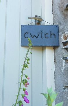 Slate 'Cwtch'   (a cuddle in Welsh) Sign