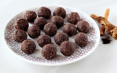 Mexican Mocha No-Bake Cookie Balls (grain-free, gluten-free, vegan + sugar-free) by Tasty Yummies