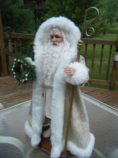 """OOAK Father Christmas in Cream brocade/white fur trim, by Karen Vander Logt -17"""" high very nice Santa"""