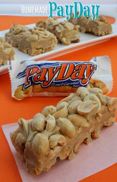 Homemade PayDay Candy Bars Pay Day: Put 12 oz dry roasted peanuts in greased 9 x Melt 10 oz Peanut Butter Chips & 3 TBSP butter. Top with 12 oz. Köstliche Desserts, Delicious Desserts, Dessert Recipes, Bar Recipes, Recipies, Dessert Food, Plated Desserts, Cupcake Recipes, Drink Recipes