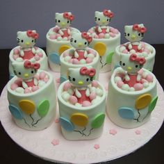 Hello Kitty Cakes And Cupcakes | Found a couple of Hello Kitty Cakes from the web, seriously decided ...