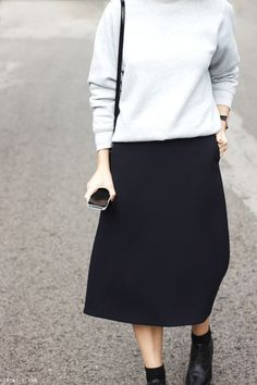 LA COOL & CHIC black skirt and boots