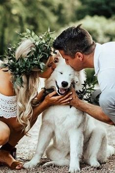 30 Gorgeous Photo Ideas Of Wedding Pets For Your Album is part of Dog wedding photos - Some couples want to include pets in their wedding day Here you find wonderful photo ideas with wedding pets, ideas how to include dog to your wedding Wedding Picture Poses, Wedding Photography Poses, Wedding Poses, Wedding Photoshoot, Wedding Ideas, Wedding Planning, Rustic Wedding Photos, Photography Camera, Wedding Album