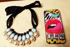 Collar perlas con cinta celeste y negro $7.000 Carcasa kiss Iphone 5 - 5s $5.000
