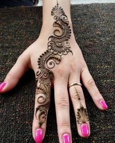 Latest hand henna designs for weddings in 2019 52 Stylish Mehndi Designs, Henna Designs Easy, Best Mehndi Designs, Mehndi Designs For Hands, Henna Tattoo Designs, Mehandi Henna, Hand Mehndi, Arabic Mehndi, Mehendi