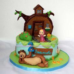 Masha & the bear - Cake by Eliana Cardone - Cartoon Cake Village